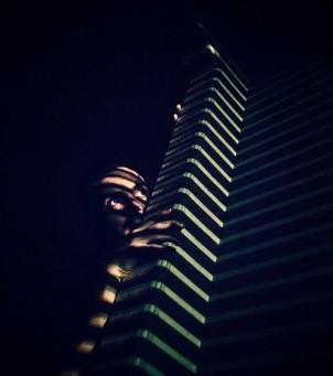blinds_hiding